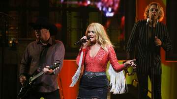 image for Miranda Lambert Surprises Animal Shelters With Special Grants