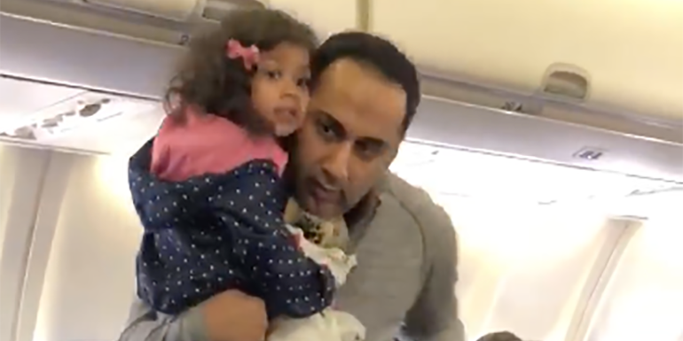 Father And 2-Year-Old Daughter Kicked Off Flight Because She Was Scared