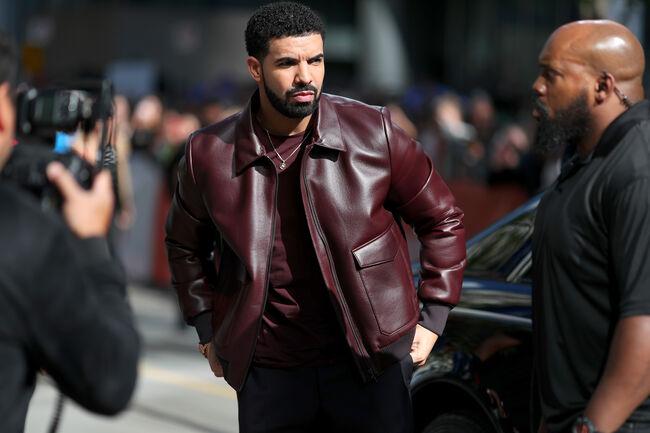 "Drake Remixes N.E.R.D's ""Lemon"" Featuring Rihanna"