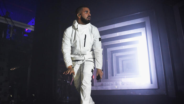 "Drake is Preparing To Drop A Follow Up Single To ""Gods Plan"""