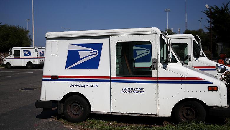 8a0dc4cdea Runaway Mail Truck Kills Postal Worker