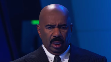 Steve Harvey Morning Show - Steve Harvey's Reactions To This Creepy Contortionist Are Everything