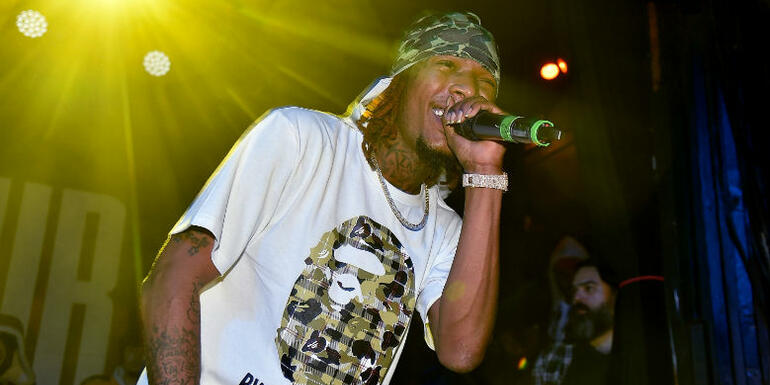 Fetty Wap Gives Out Grocery Gift Cards To Hometown Families Ahead Of Easter