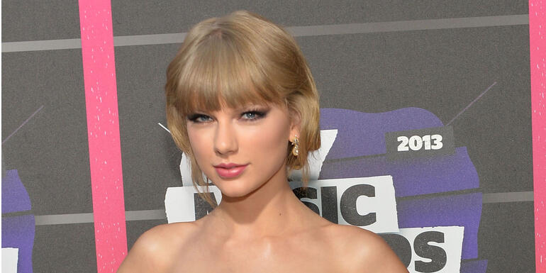 Taylor Swift Once Stole Something from CMT Awards After Party