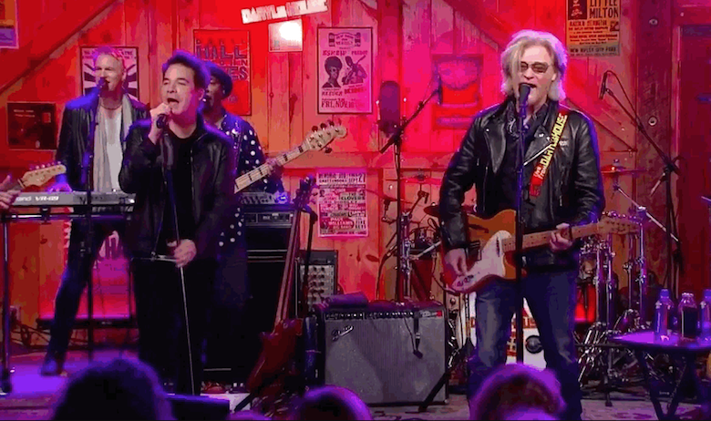Daryl Hall & John Oates and Train Perform Intimate Show At Daryl's House