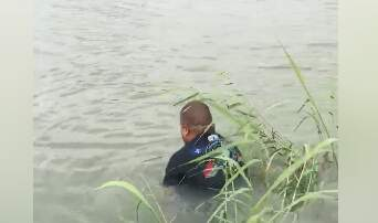 DJ AGRO - When your net get stuck. Take a swim.
