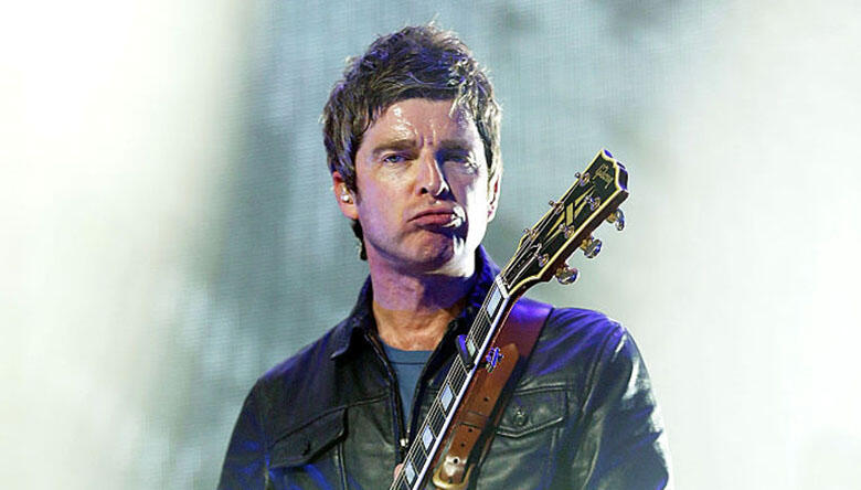 """Noel Gallagher Says He """"Couldn't Give a Flying F**k"""" About Lyrics"""