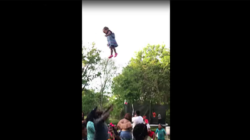 Trending - Dad Throws Baby Girl So High Up That The Internet Is Shook