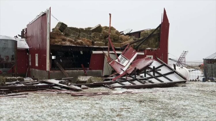 Barn roof ripped off near Story City, Iowa.  Photo WHO TV