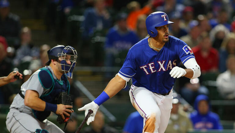 Mariners Beat Rangers With Late Rally