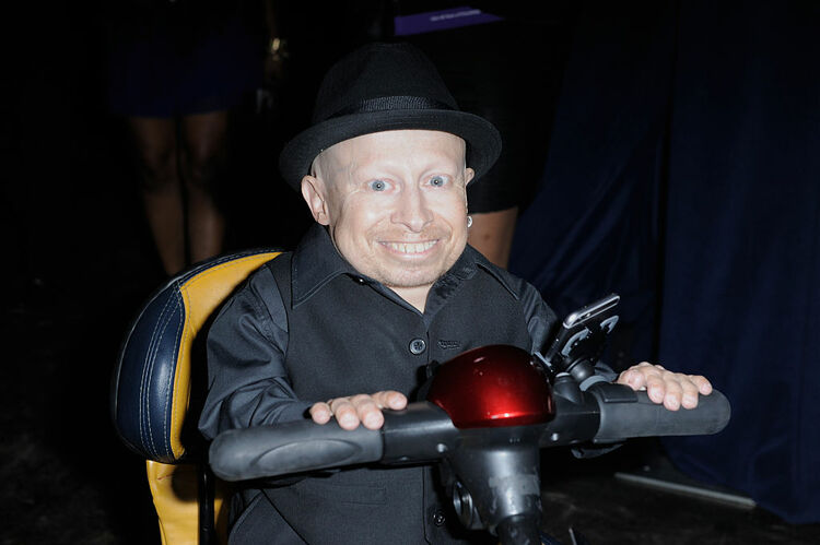Verne Troyer arriving at Best Buddies Miami Gala 2015 - Getty images