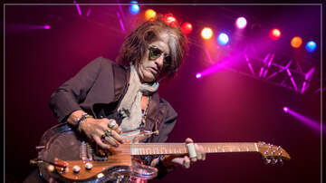 Concert Photos - Joe Perry at House Of Blues Boston