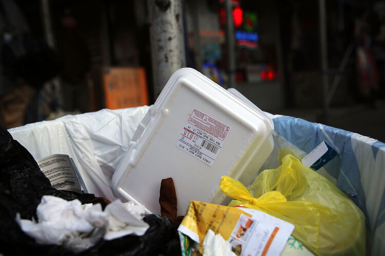 Berkeley may charge a quarter for take-out food containers