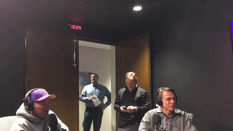 #92Noon: #Vikings GM Rick Spielman w/@PAOnTheMic!