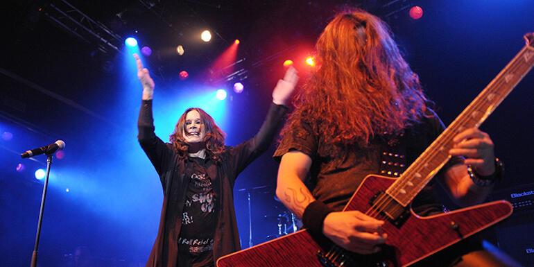 """Former Ozzy Osbourne Guitarist Says Gig Was """"Dead-End Job"""" for Him"""
