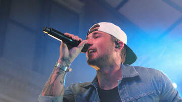 Hot Country Nights - Michael Ray Performing At Hot Country Nights
