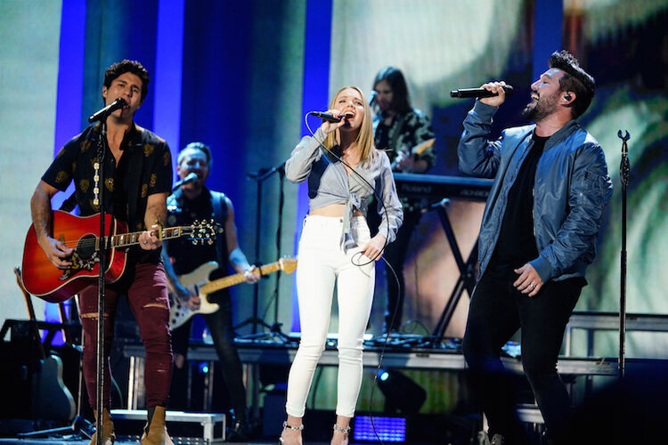 Dan + Shay surprise the iHeartCountry crowd with Daneille Bradbery collaboration.