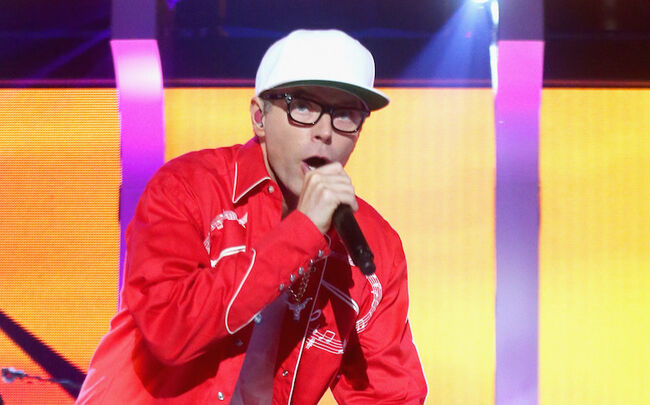 Bobby Bones crashes Sugarland's set at the iHeartCountry Festival