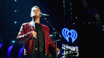 iHeartCountry Festival - Scotty McCreery Gives Surprise Performance at iHeartCountry Festival