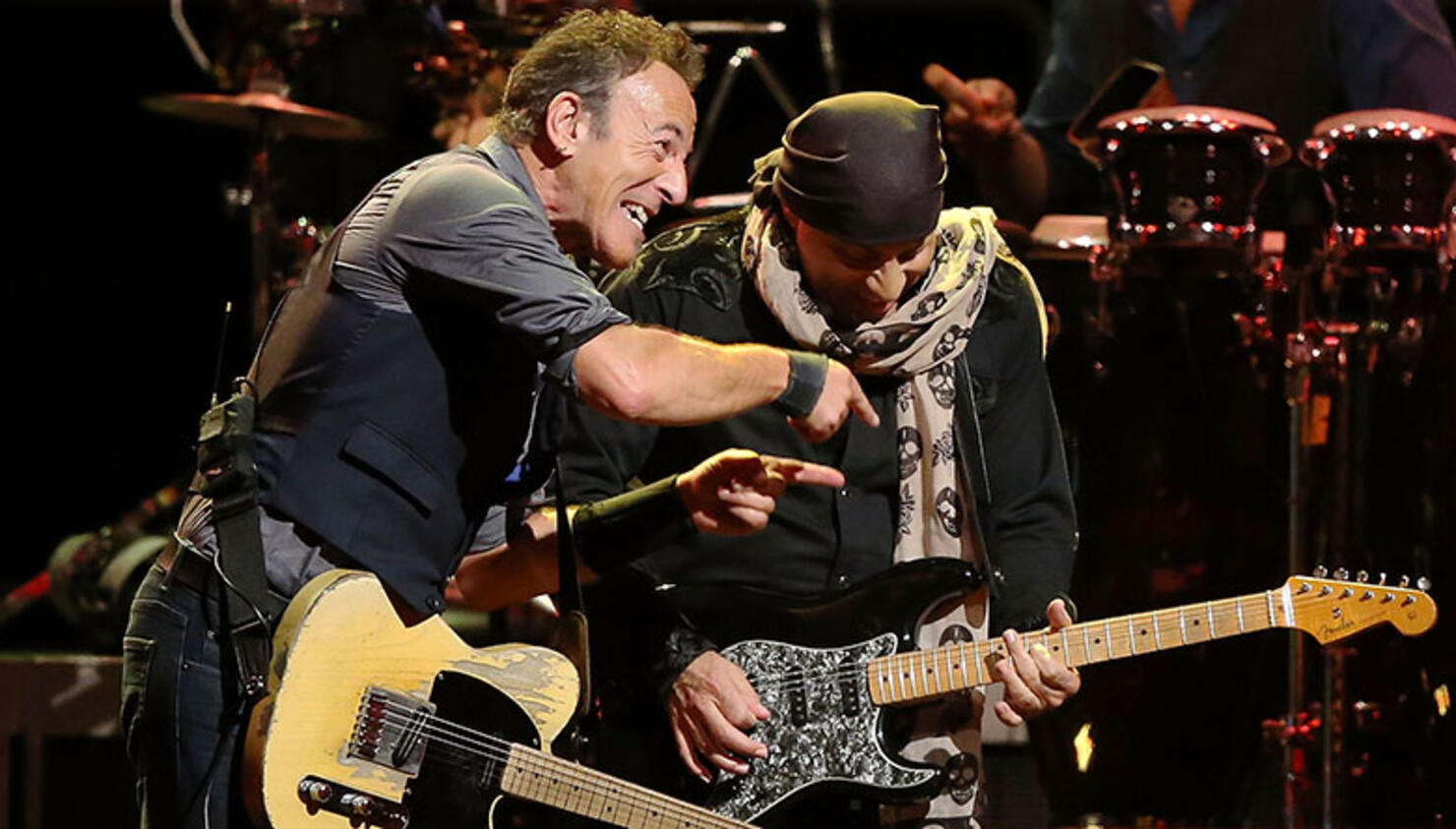 """Bruce Springsteen Inducts """"Little"""" Steven Van Zandt into New Jersey Hall of Fame"""
