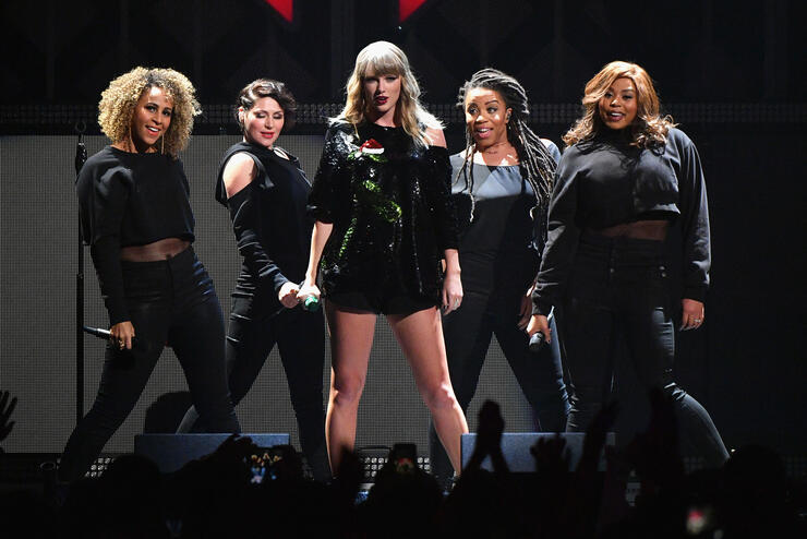 Here's Everything You Can & Can't Bring To Taylor Swift's Concert