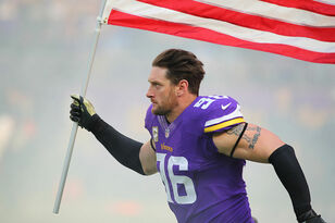 Brian Robison restructures contract to return to Vikings | KFAN 100.3 FM