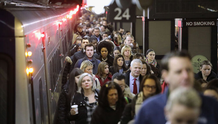 Grand Central Station Mobbed After Metro-North Suspension