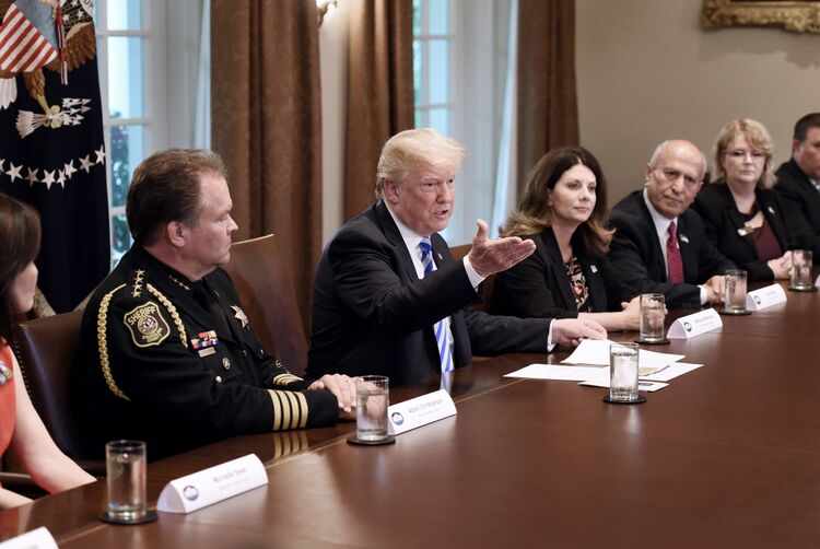 Trump hosts California leaders for immigration meeting