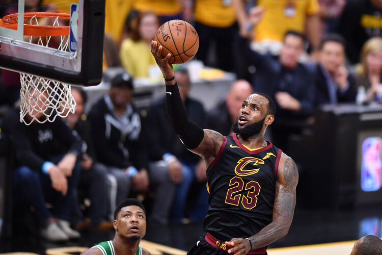 If LeBron James gets to the basket in Game 5, the Cavs should sieze control of the Eastern Conference Finals