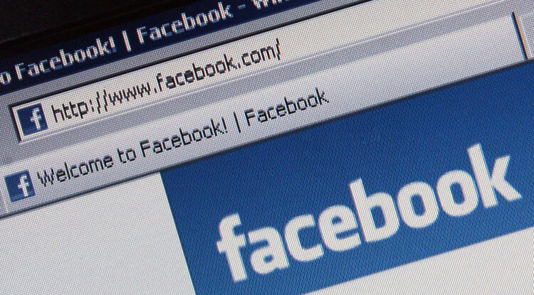 Facebook wants your naked photos