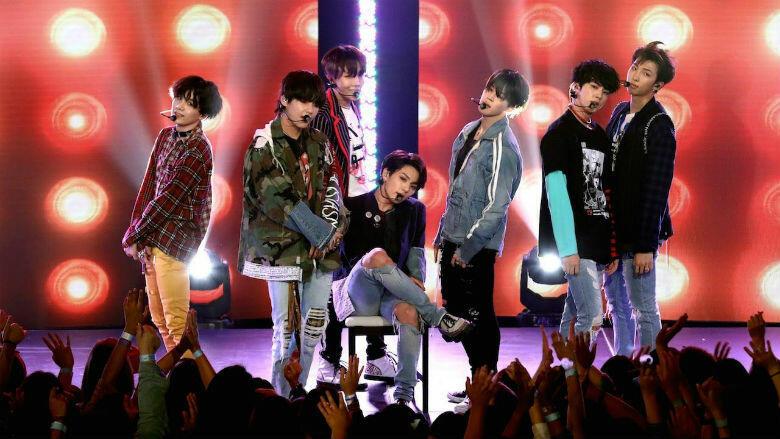 Watch BTS Storm 'Ellen' With Performances Of 'Fake Love