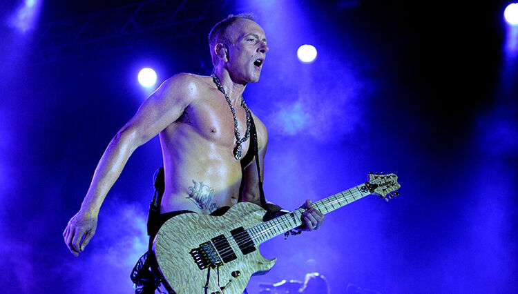 Def Leppard's Phil Collen Leaves Tour