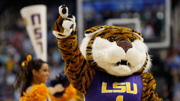 Louisiana Sports - LSU Tigers Men's Basketball Wins Nail-Biter Over Arkansas
