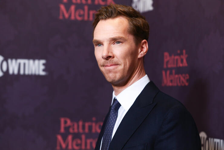 Benedict Cumberbatch saves cyclist from four muggers