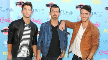 MLK Day - Stan Twitter Freaks Out (Again) Over The Jonas Brothers' New Sighting