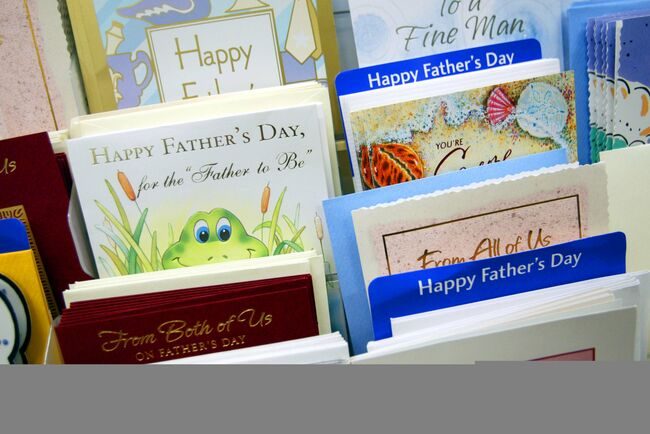 Families Shop For Fathers Day Gifts