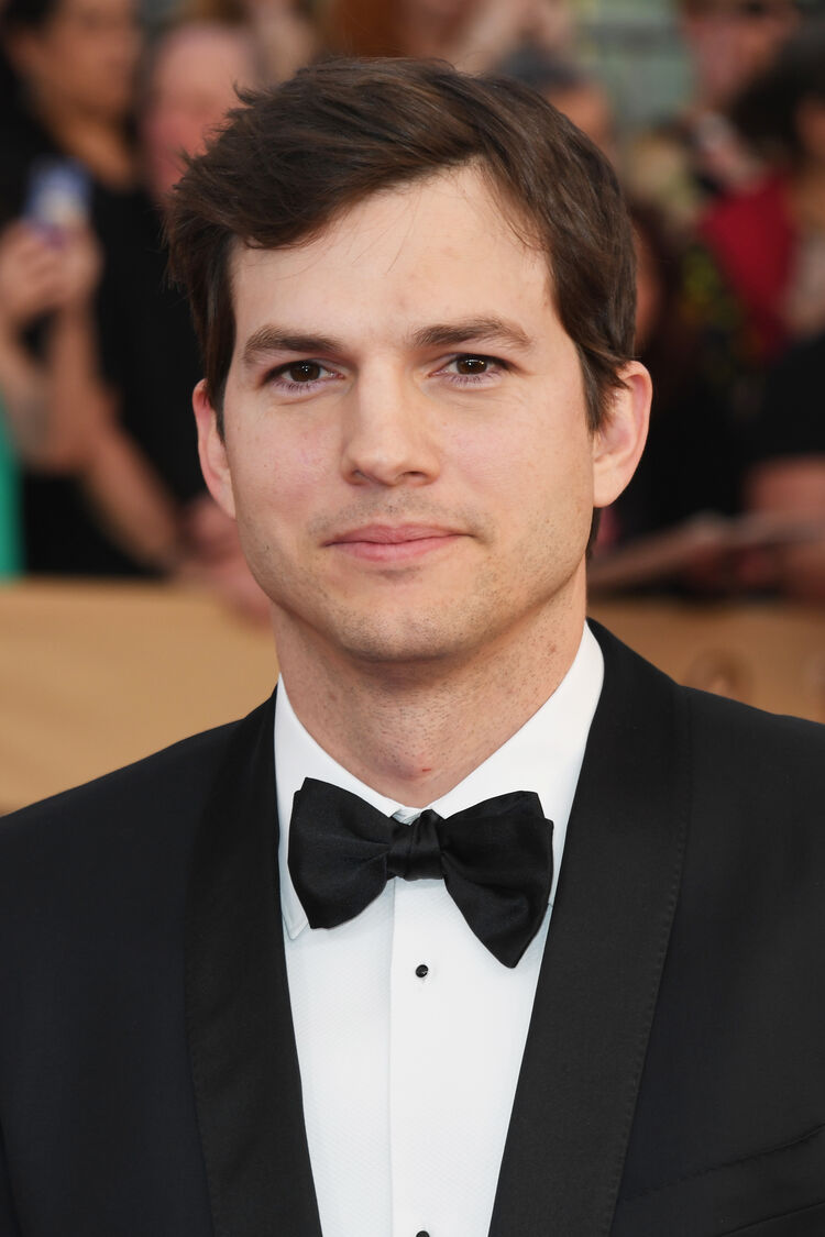 Sexiest dads in hollywood - Ashton Kutcher