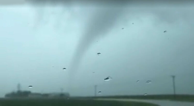 Tornado near Scranton, Iowa Tuesday - Iowa Storm Chasing Network VIDEO BELOW