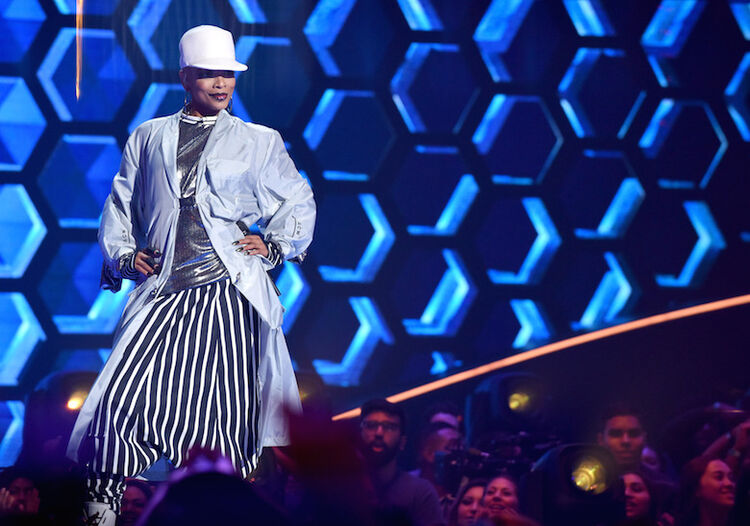 Sheraya J performs on 'The Four'