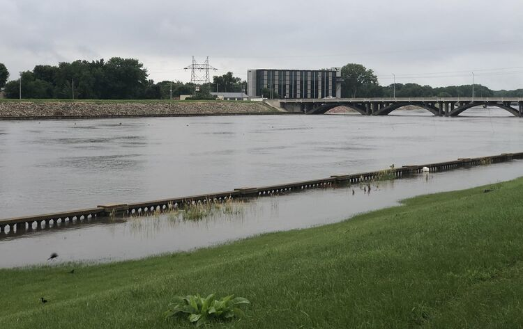Des Moines River in minor flood stage photo WHO TV
