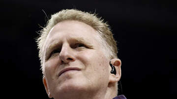 Entertainment - Michael Rapaport Stops Man From Opening Emergency Door Mid-Flight