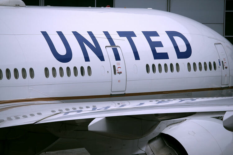 United Airlines planes sit on the tarmac at San Francisco International Airport on April 18, 2018 in San Francisco, California. United Continental Holdings reported better than expected first quarter earnings with revenue of $9.03 billion compared to analyst expectations of $9.01 billion. (Photo by Justin Sullivan/Getty Images)