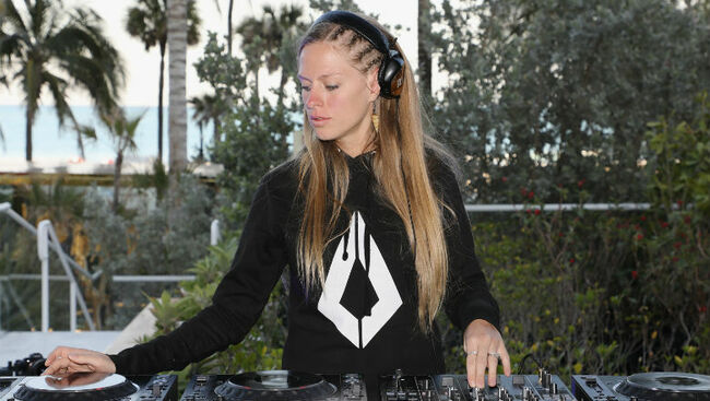 Nora En Pure's New EP Recalls Signature Sound: Listen To 'Don't Look