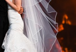Jeff Stevens - Couple leaves reception to get incredible photo!