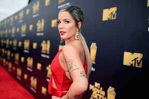 Halsey Cried During First Performance Since Split From G-Eazy