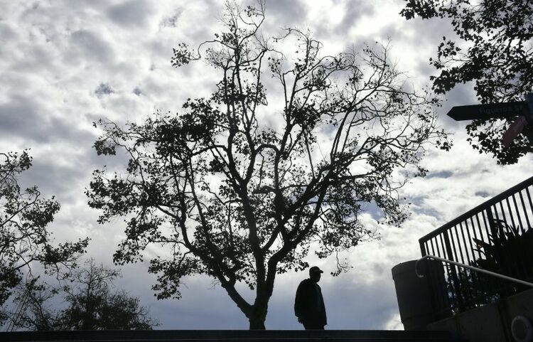 showers thunderstorms possible in L.A. today