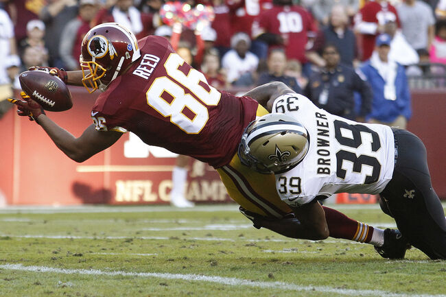 Tight end Jordan Reed #86 of the Washington Redskins scores a third quarter touchdown past cornerback Brandon Browner #39 of the New Orleans Saints during a gam at FedExField on November 15, 2015 in Landover, Maryland. (Photo by Matt Hazlett/Getty Images)