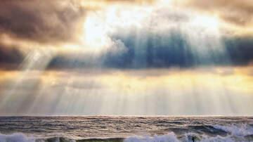Yako - Dios Aparece Caminando En Los Cielos