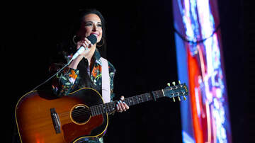Trending - Kacey Musgraves Brings Out 'RuPaul's Drag Race' Winners at LA Show: Watch