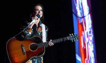 Entertainment News - Kacey Musgraves Brings Out 'RuPaul's Drag Race' Winners at LA Show: Watch